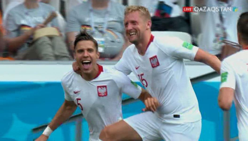 Сборная Японии уступила Польше в матче группового этапа ЧМ, но вышла в плей-офф